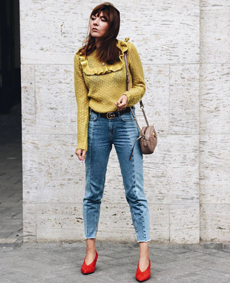 sweater red heels tumblr yellow yellow sweater mustard denim jeans blue jeans cropped jeans pumps red shoes