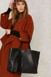 bag,leather tote bag,tassel