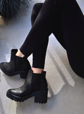 black,shoes,booties,platform shoes,chelsea boots,heels,black boots,all black everything,h&m,tumblr shoes,fashion,boots,clothes,chelsea,heel boots,chelsea black boots,black heels