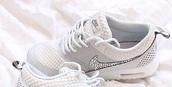 diamonds,shoes,nike sneakers,nike,sneakers,white