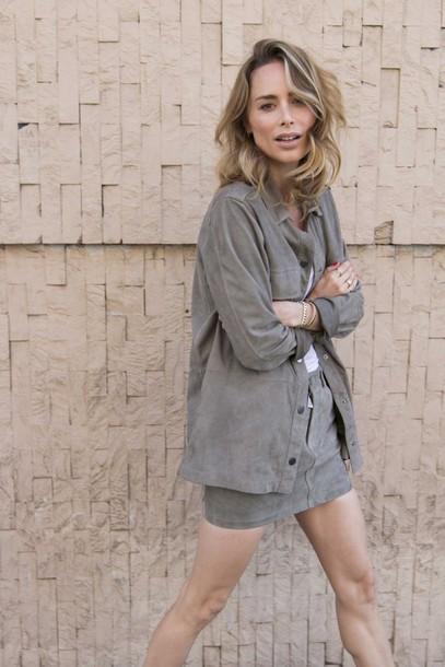 anine'sworld blogger shirt t-shirt skirt shoes