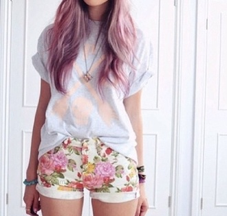 purple flowers skull hair instagram skull t-shirt cool shirts jewels shorts pastel hair