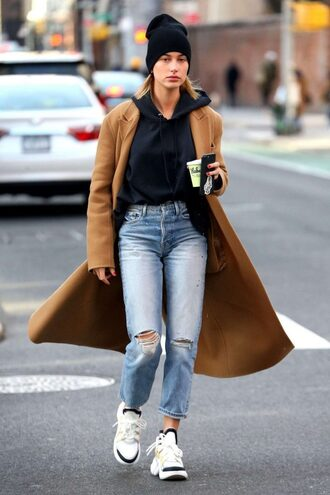 coat camel coat camel jeans model off-duty streetstyle ny fashion week 2018 fashion week hailey baldwin