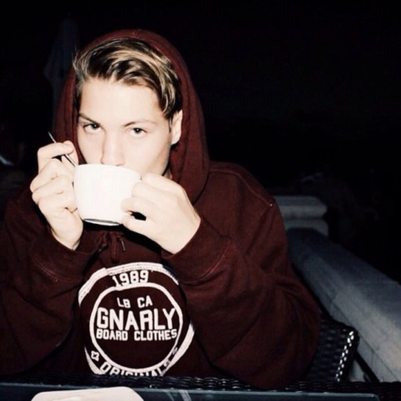 sweater burgundy burgundy sweater cute maroon california instagram comfy maroon sweater pullover surf menswear coffee mug coffee cup coffee hot laguna beach beach surfer rad