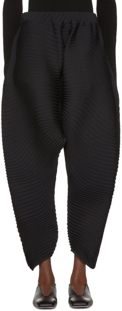 Issey Miyake pants pleated black
