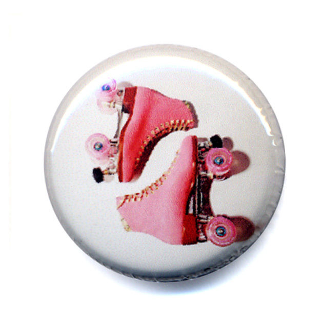Badge PINK ROLLER Skate patins à roulettes derby 80's rock disco pop retro Ø25mm