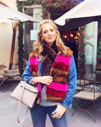 scarf tumblr chiara ferragni top blogger lifestyle vest fur vest fur scarf louis vuitton bag white bag jacket denim denim jacket