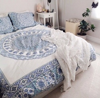 home accessory blue and white white and blue sheets sheet cover blanket boho chic indie boho bohemian hippie gypsy mandala bedroom