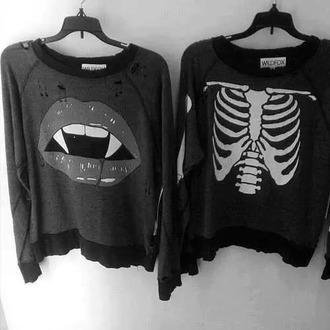 top dark vampire skeleton pull black