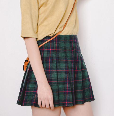 27c7df429 Green Plaid Skirt