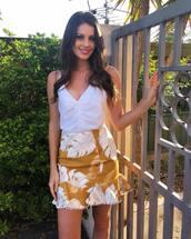 skirt,yellow skirt