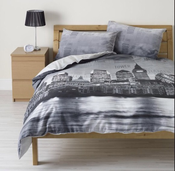 black and white pajamas bed linen bedding new-york monochrome new york city