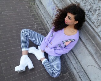 from hats to heels blogger chunky boots white shoes lilac sweater gingham cats
