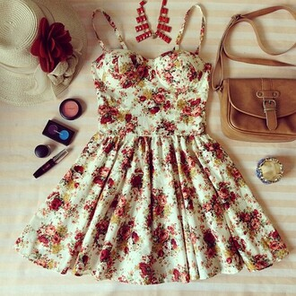 dress clothes bag make-up floral belt hat rise flowers floral dress skater dress vintage roses white floral short dress rose short dress cute cute dress bustier bustier dress floral bustier red dress yellow dress girly girly grunge tumblr mini dress