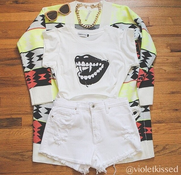 t-shirt perfect cool follow mee jacket jewels shorts
