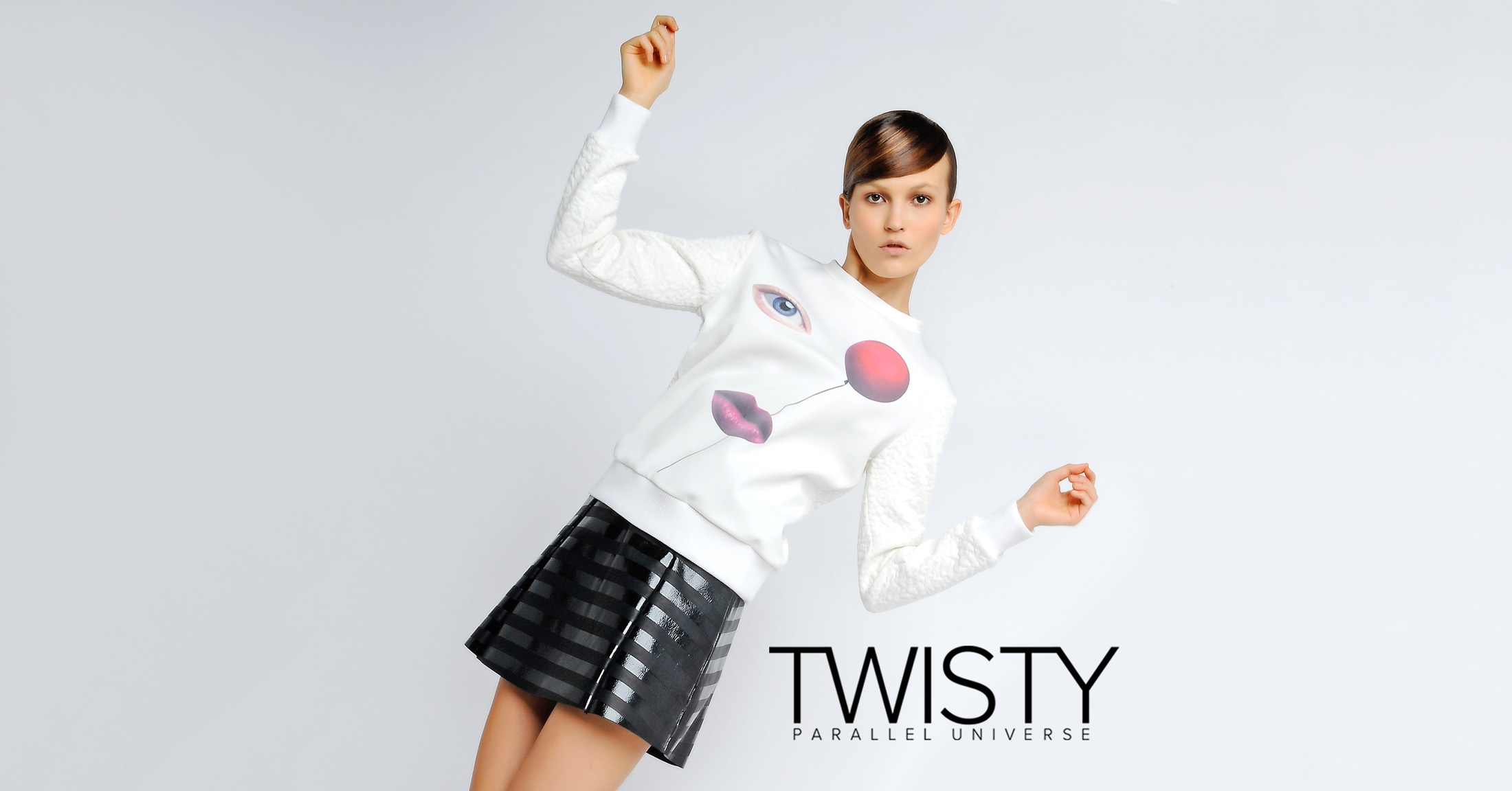 Twisty Parallel Universe | Designer Collection Per Le Donne