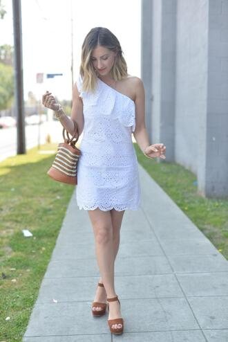 cupcakes and cashmere blogger dress shoes bag make-up summer outfits white dress sandals handbag