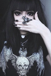 goth,black top,skull ring,skull,dark,ring,jewelry,Gothic Jewelry,wylona hayashi,black,jewels,shirt