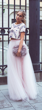 top,skirt,fashion,make-up,shes,blogger,clothes,celebrity,brands,accessories,blouse,dress,pants,tank top,bag,handbag,hair accessory,scarf