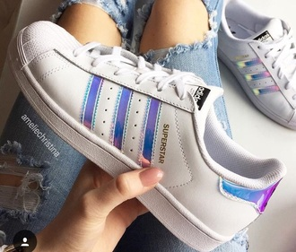 shoes adidassuperstars addias shoes rainbowshoes tumblr shoes holographic shoes adidas adidas shoes adidas superstars tumblr white shoes purple white holographic girl girly girly wishlist adidas originals