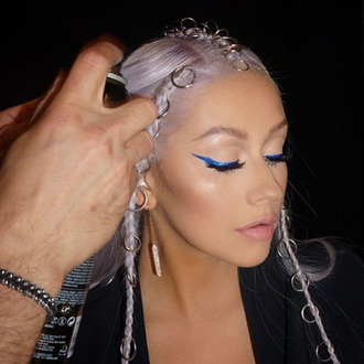 hair accessory hair rings platinum hair eyeliner pink lipstick make-up christina aguilera celebrity singer hairstyles