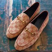 shoes,beige shoes