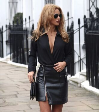 skirt zip-up skirt zipped skirt zip leather skirt black skirt mini skirt black leather skirt top wrap top black top long sleeves bag black bag all black everything shoulder bag fall outfits streetstyle black shirt sunglasses blogger
