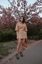 shorts,jacket,cropped jacket,brown shorts,bag,brown bag,shoes,black shoes