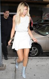shoes,boots,kylie jenner,skirt,top