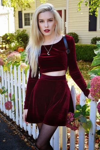 two-piece skirt blogger two piece dress set long sleeves crop tops long sleeve crop top velvet mini skirt circle skirt velvet skirt velvet top fall outfits