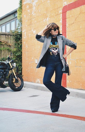 mysmallwardrobe blogger jacket t-shirt jeans shoes bag sunglasses fall outfits blazer flare jeans guns and roses shoulder bag