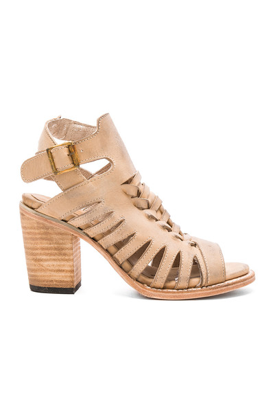Freebird by Steven Bongo Heel in beige / beige