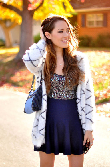 blogger navy dress cardigan bag hapa time jewels fluffy