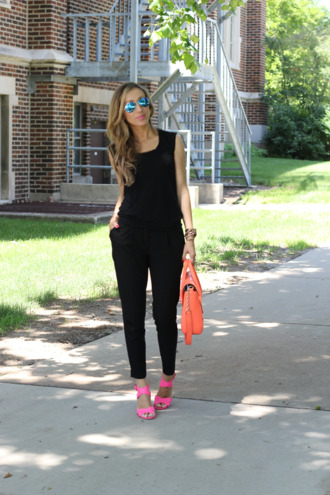 lilly's style t-shirt shoes bag jewels sunglasses pants