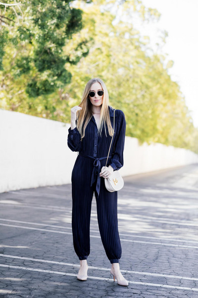 eat sleep wear blogger jumpsuit shoes bag blue jumpsuit shoulder bag white bag pumps spring outfits