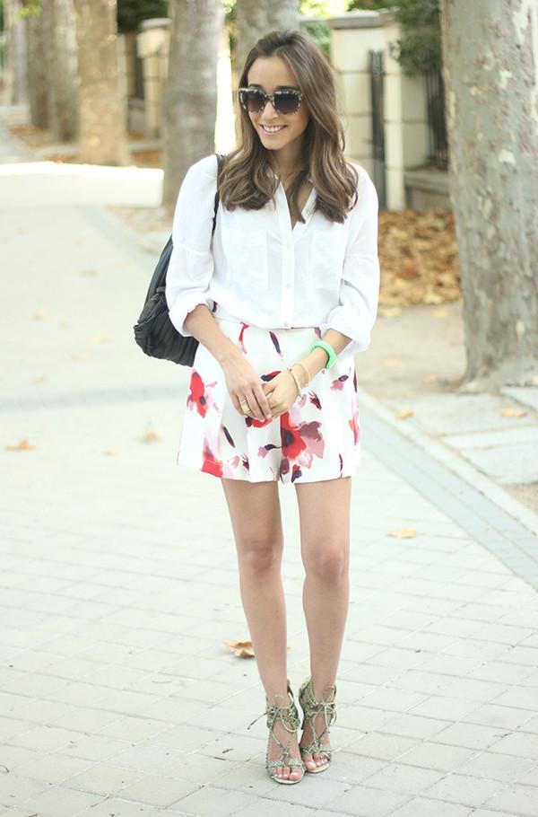 besugarandspice blogger skirt jewels shoes