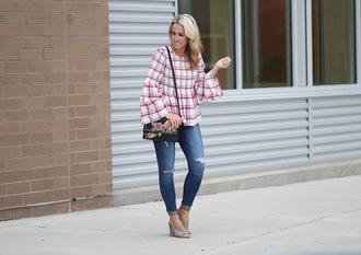 twopeasinablog blogger jeans shoes bag jewels make-up shoulder bag summer outfits skinny jeans