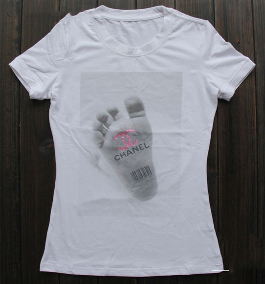 chanel t-shirt feet code print
