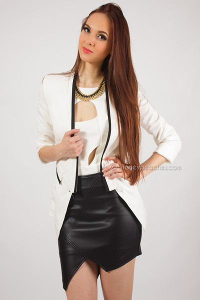 Simply amazing white blazer