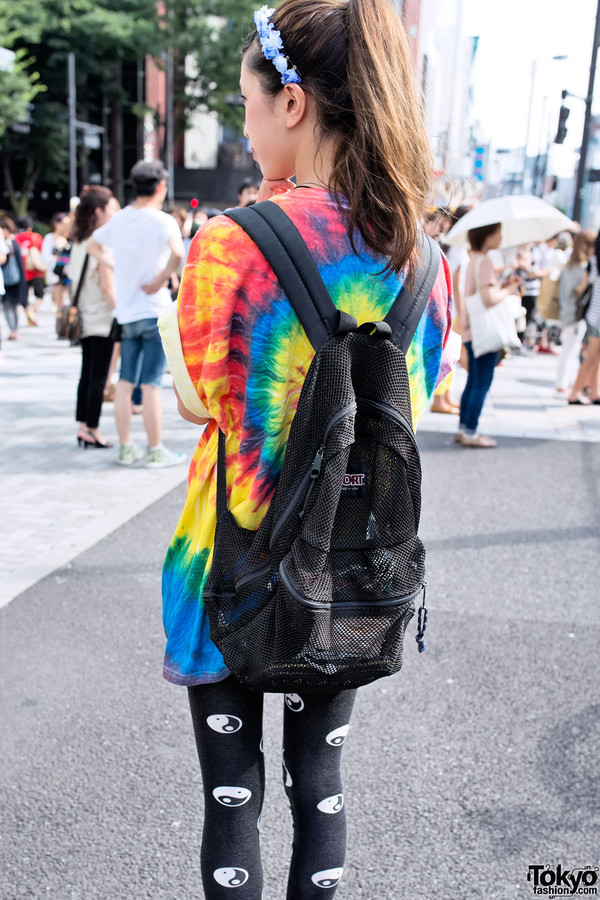 leggings tie dye yin yang backpack flower crown harajuku t-shirt ponytail top bag