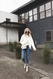 sweater,white sweater,shoes,jeans,blue jeans,denim,snake print