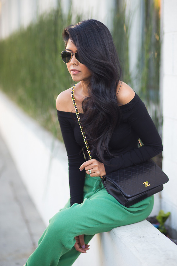 walk in wonderland t-shirt pants bag shoes jewels