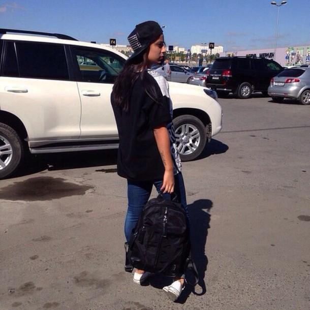sunglasses look snapback jeans bag sweatshirt hat