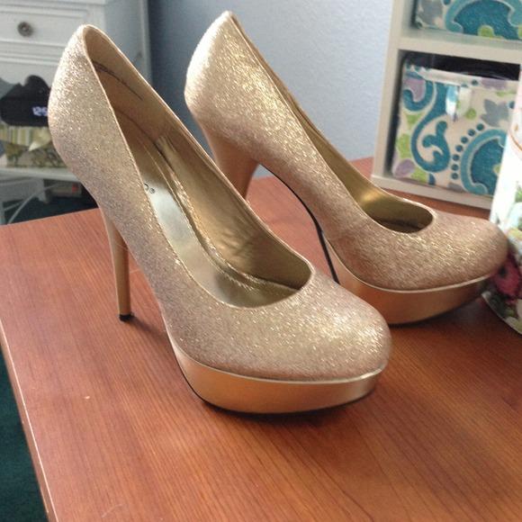 Bamboo - Gold glitter high heels from Vicki's closet on Poshmark