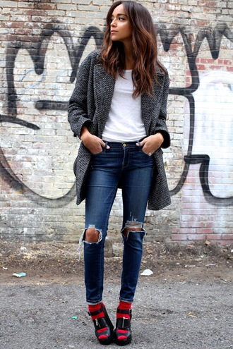 ring my bell blogger ripped jeans grey coat jeans shirt coat shoes bag socks