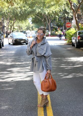 katwalksf blogger jeans shoes sunglasses bag grey coat brown bag white pants white jeans ripped jeans boots thick heel