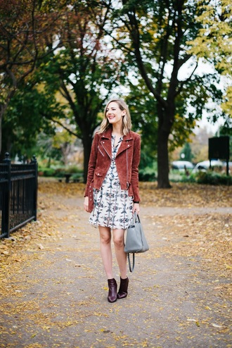 see anna jane blogger suede jacket patterned dress