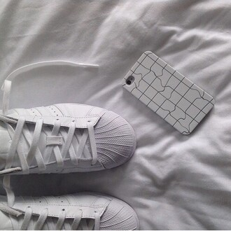 phone cover tumblr aesthetic shoes black and white