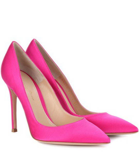 Gianvito Rossi pumps satin pink shoes