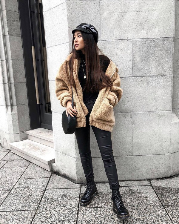 jacket tumblr fuzzy jacket pants black pants leather pants black leather pants boots black boots biker boots hat fisherman cap bag